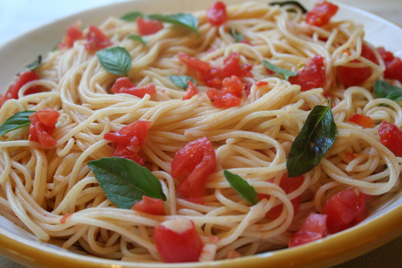 "SPAGHETTI ""AIO E OIO"" WITH BASIL AND CUISINE PLUM TOMATOES"